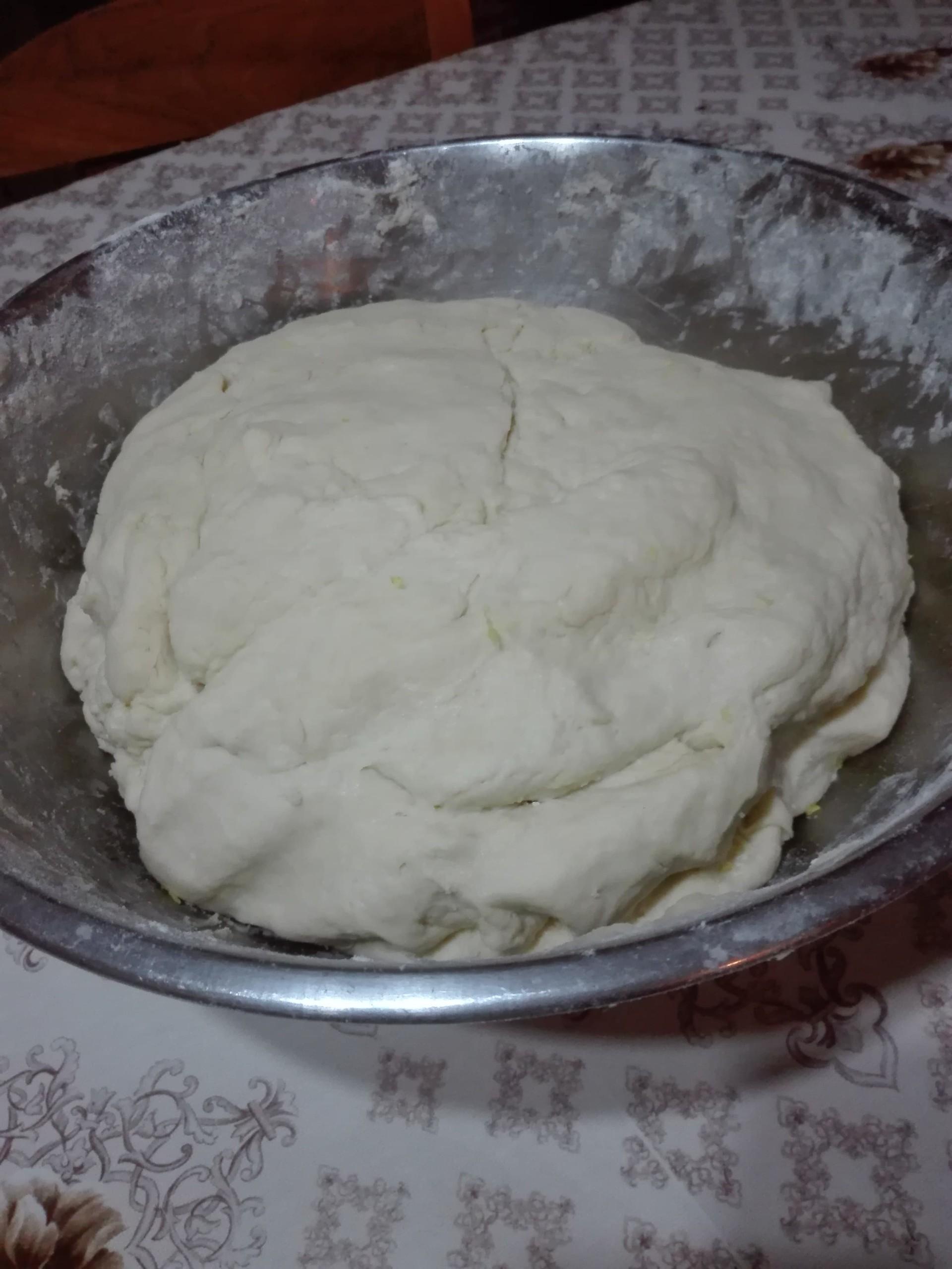 traditional-romanian-pastries-cornulee-3