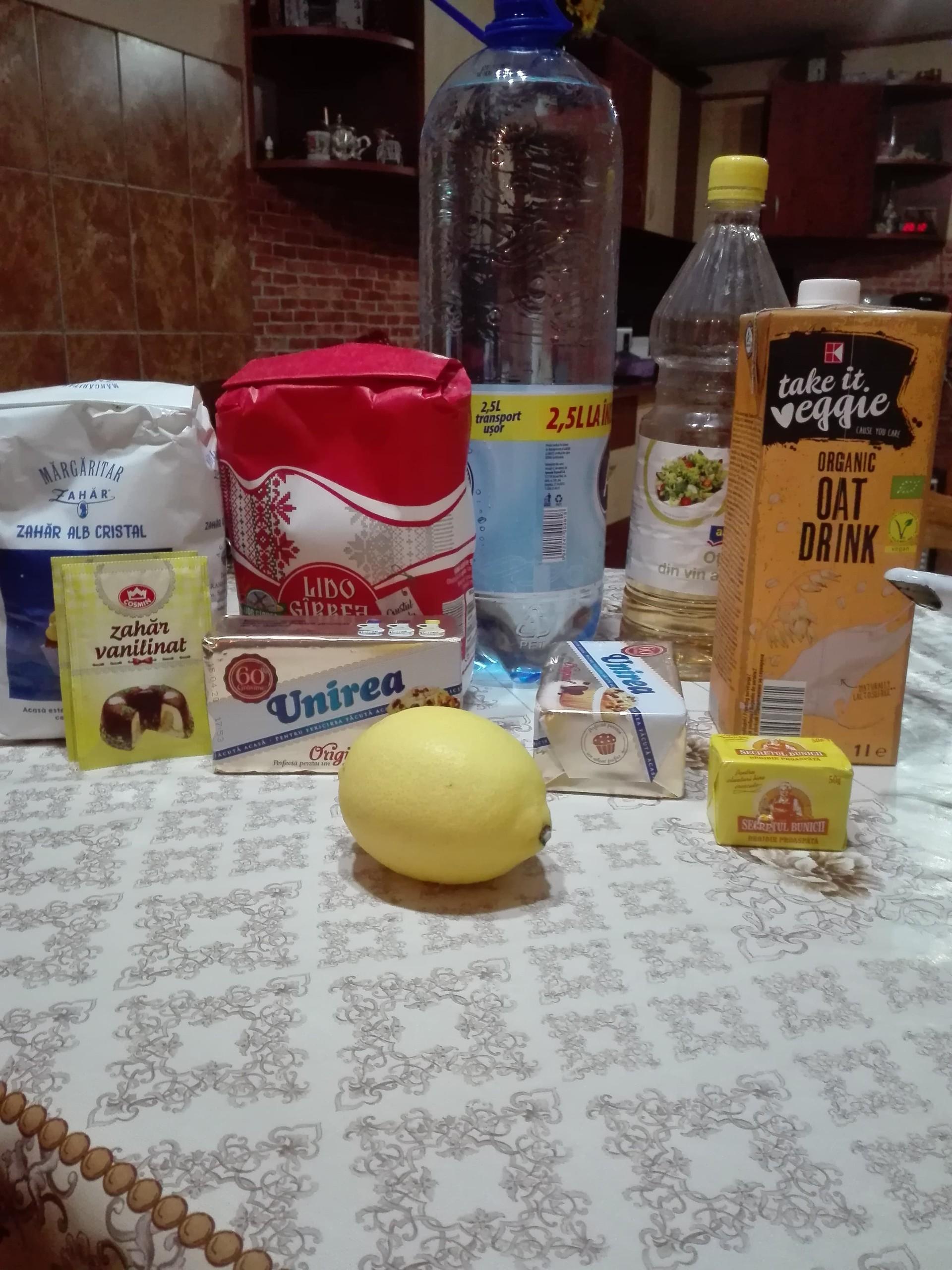 traditional-romanian-pastries-cornulee-f