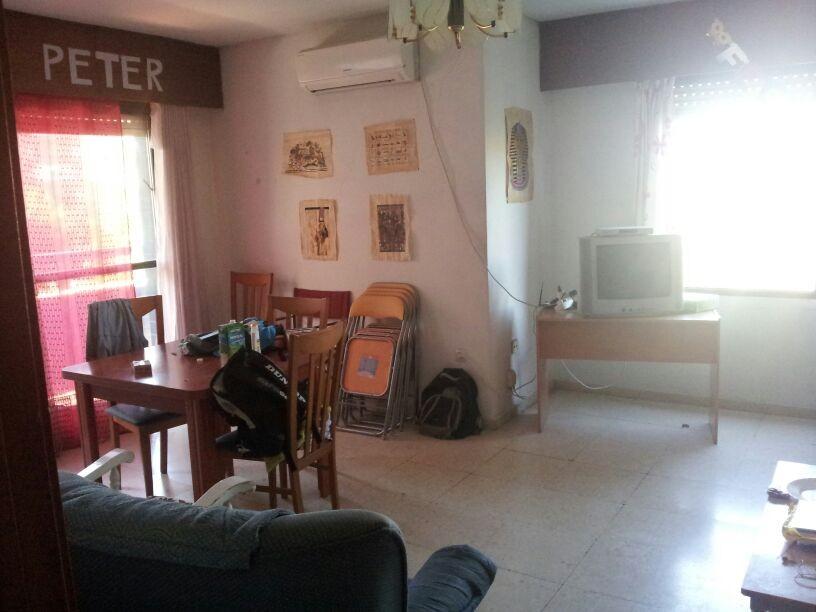 Tres habitaciones en piso compartido en ciudad jard n for Alquiler ciudad jardin cordoba