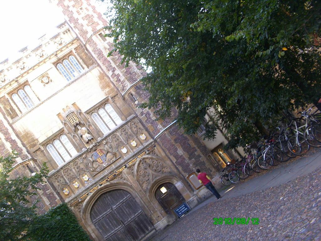 trinity-college-_-isaac-newton-06ade68e7