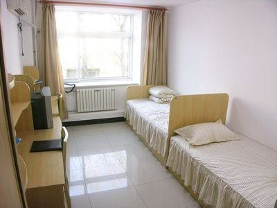 Twin Room (Single use) with Shower/WC; SHARED KITCHEN - RENT inc