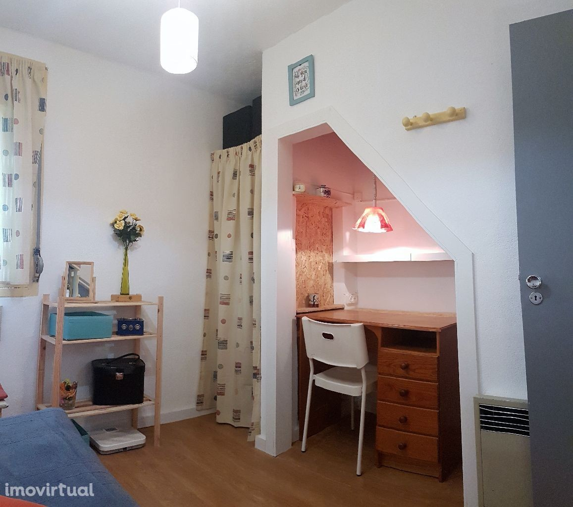 Two Bedrooms in a Duplex Apartment in Lisbon | Room for ...