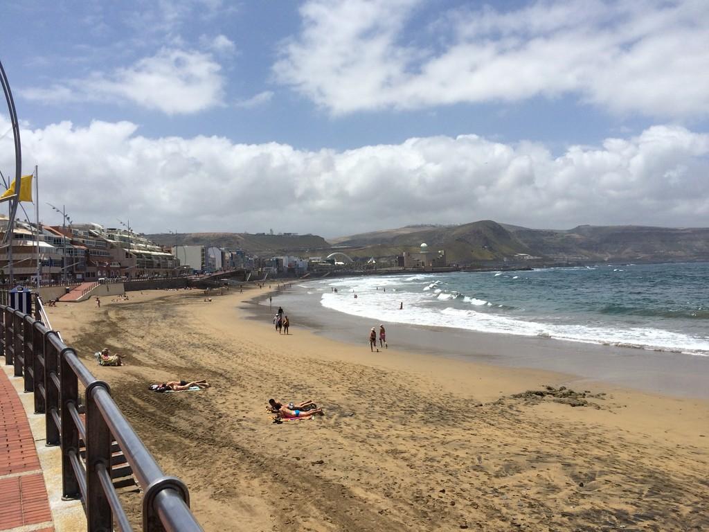 un-bano-la-playa-canteras-4c186b5714db46