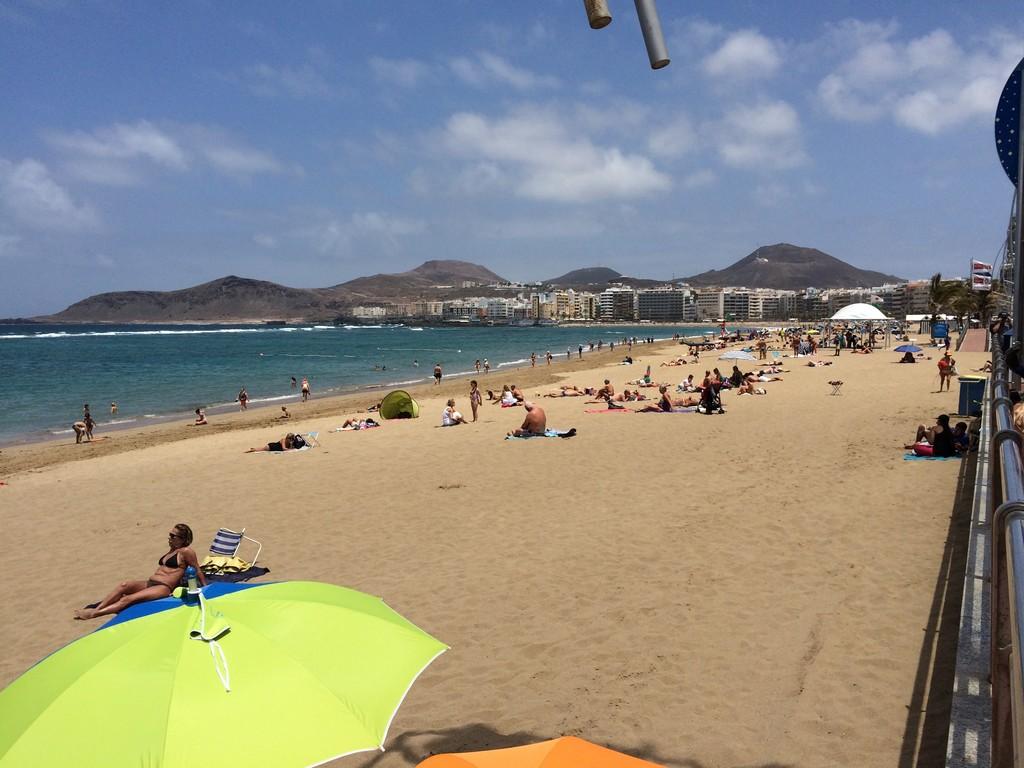 un-bano-la-playa-canteras-8c1cb7689fccb0