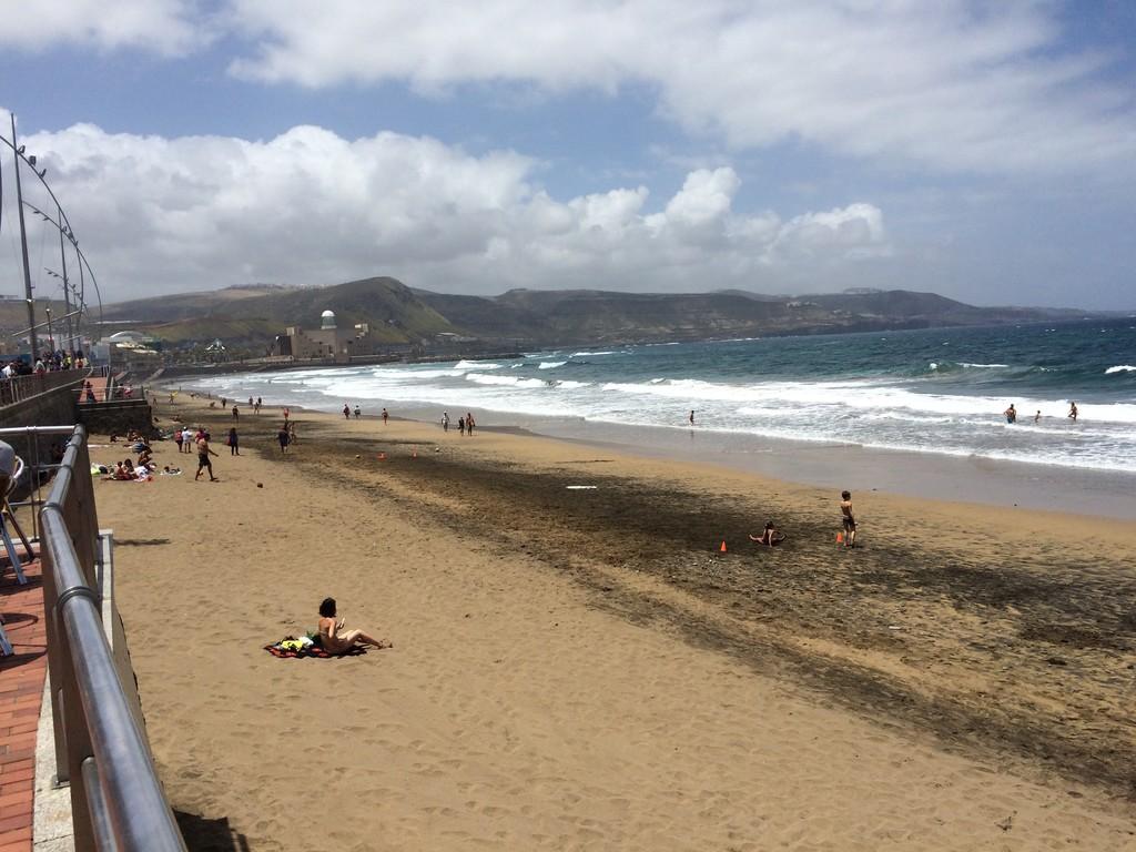 un-bano-la-playa-canteras-95a53774567709