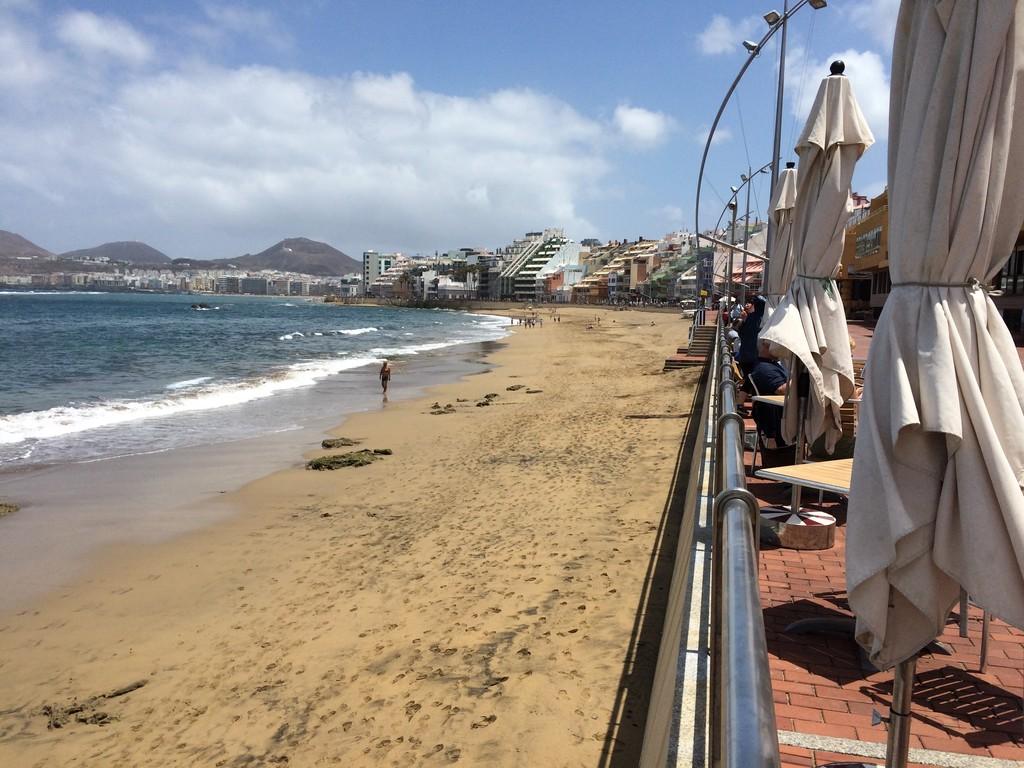 un-bano-la-playa-canteras-a13950ff018341