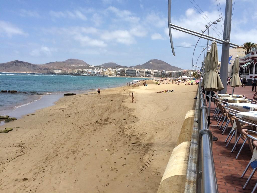 un-bano-la-playa-canteras-d0a7ffd4273eb9