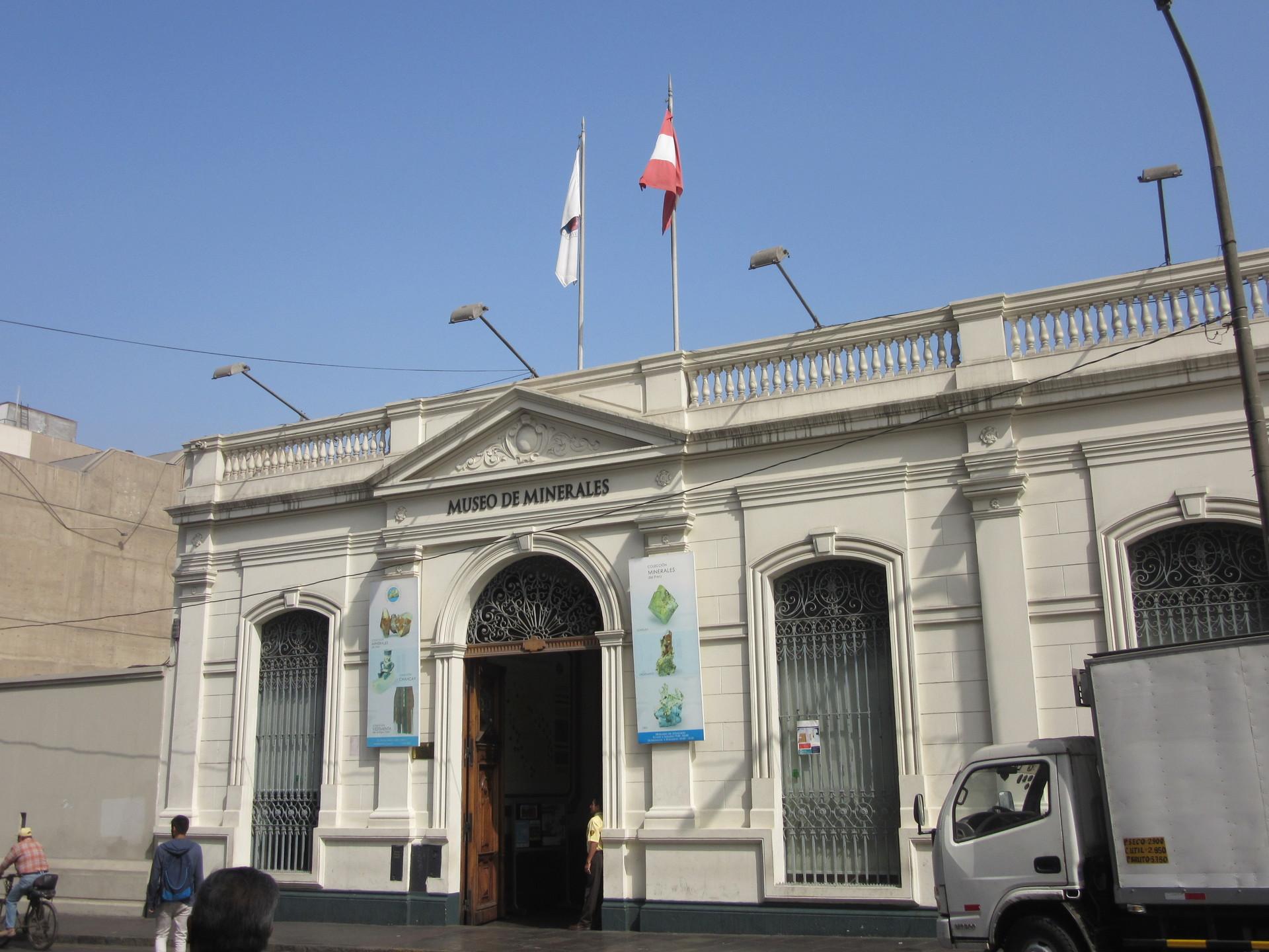 un-museo-perfecto-conocer-minerales-a2f5