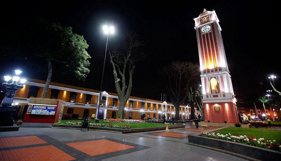 un-parque-reloj-aleman-lima-909a2f6519b6