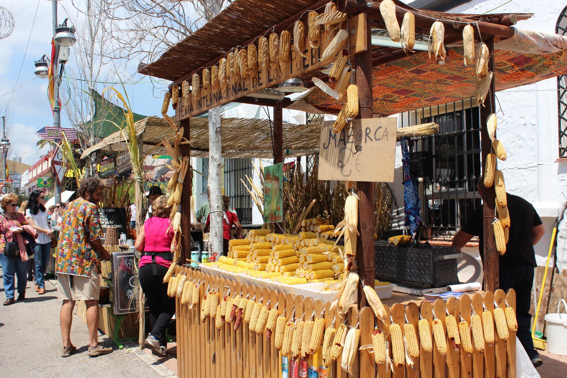un-paseo-mundo-feria-pueblos-fuengirola-