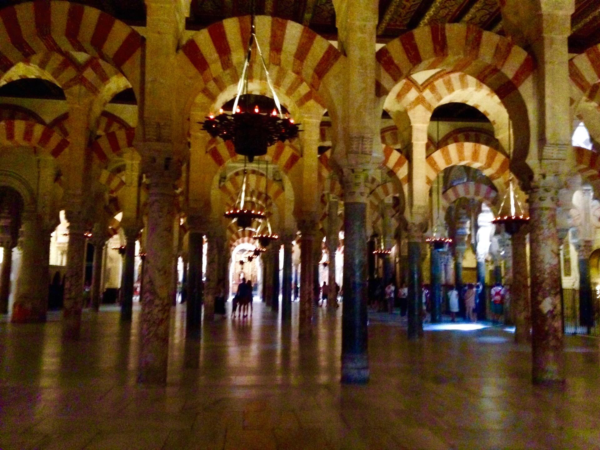 una-moschea-cattedrale-nello-posto-cb5b7