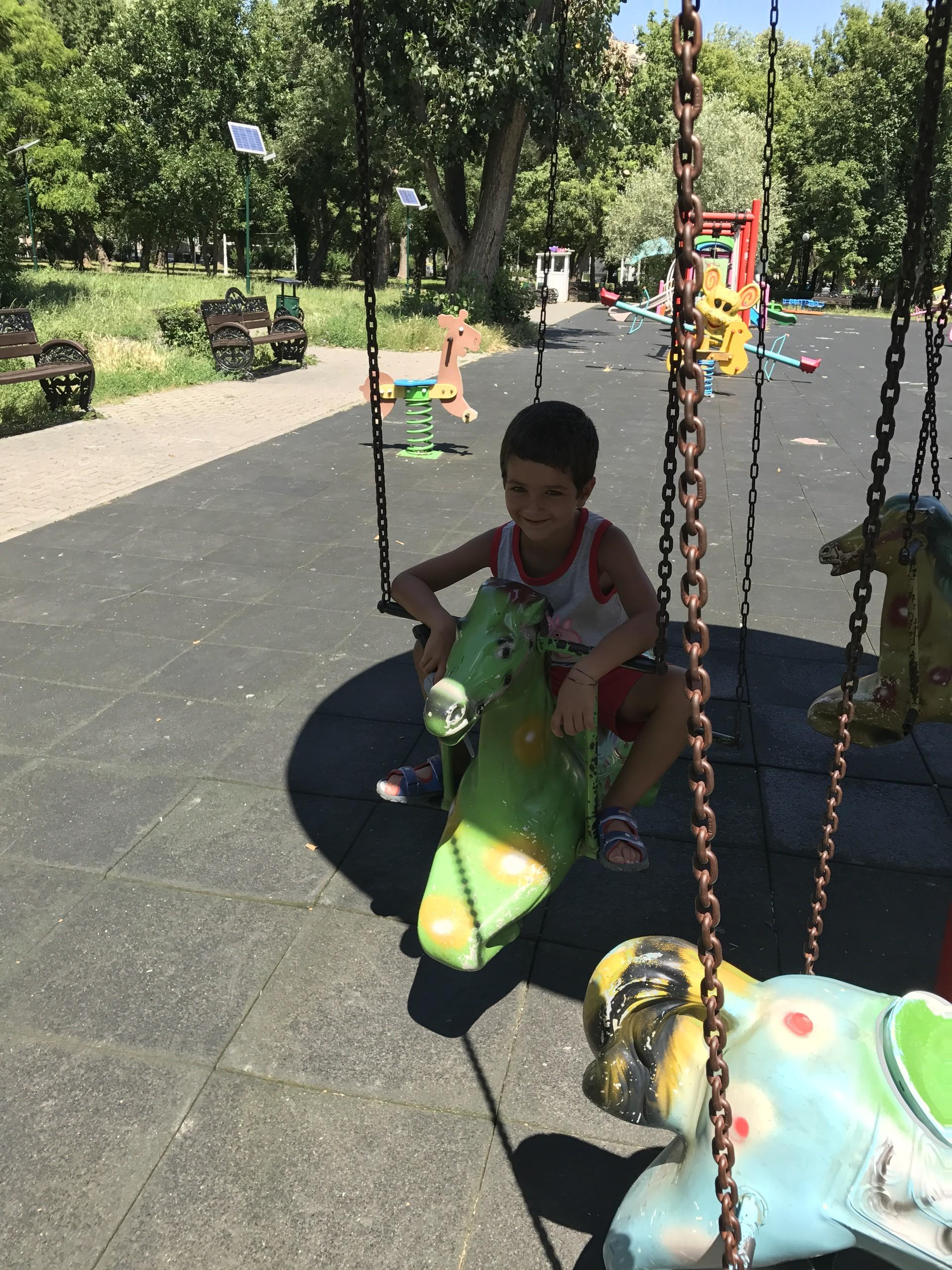 una-passeggiata-parco-tineretului-252a27
