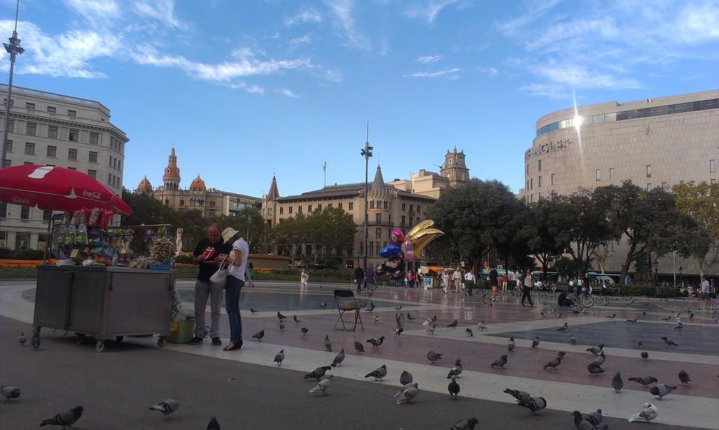Una plaza más en Barcelona...