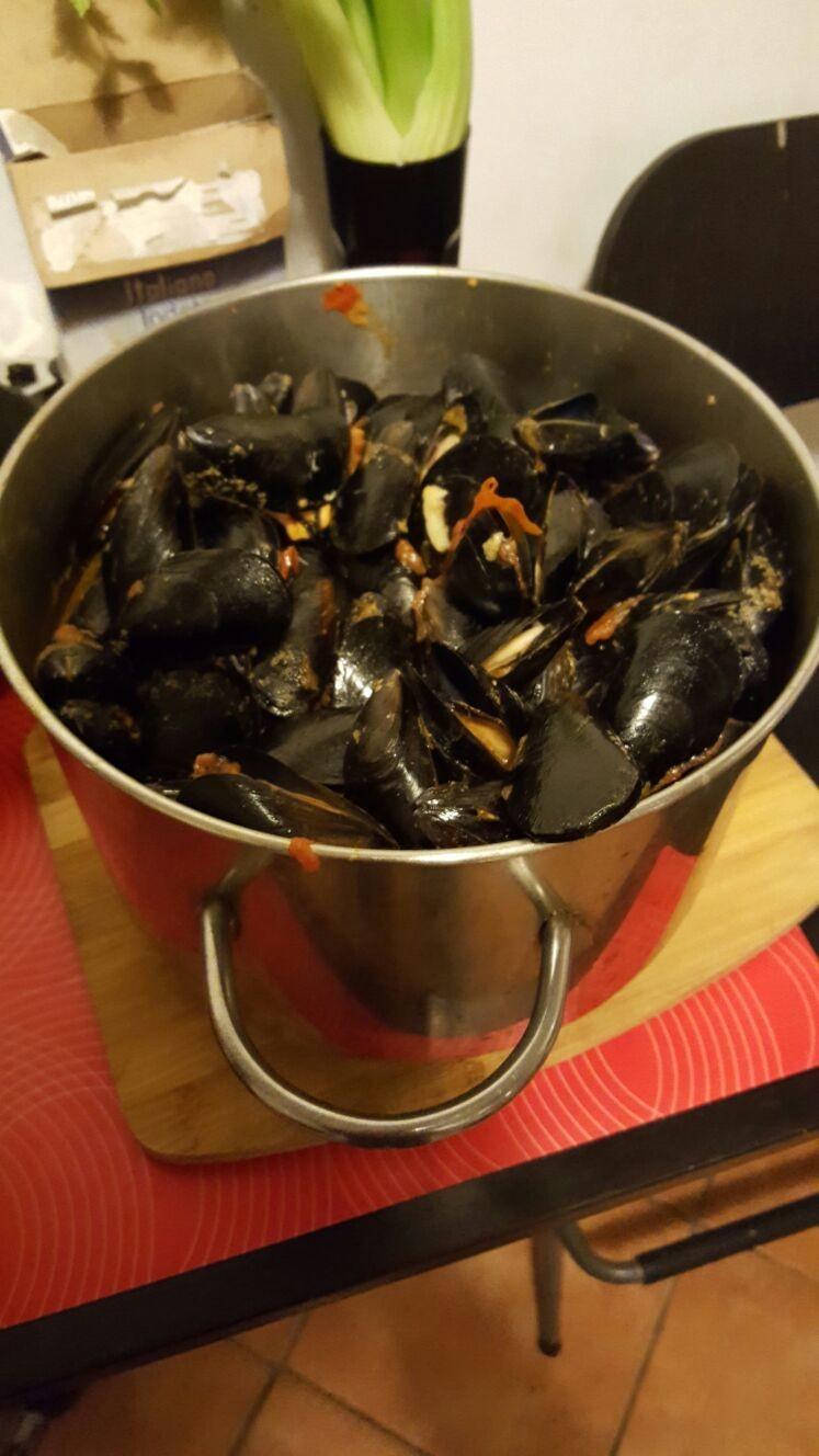 Una Ricetta Palermitana La Zuppa Di Cozze Ricette Erasmus