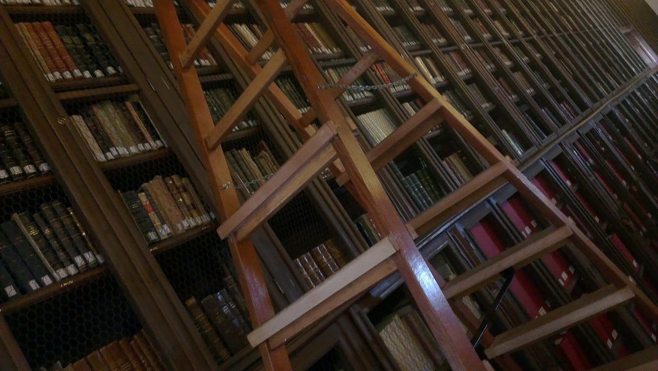 une-bibliothe-ancienne-e62c311f391ff66ee