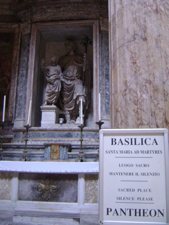 uno-de-recuerdos-de-antiguedad-romana-79