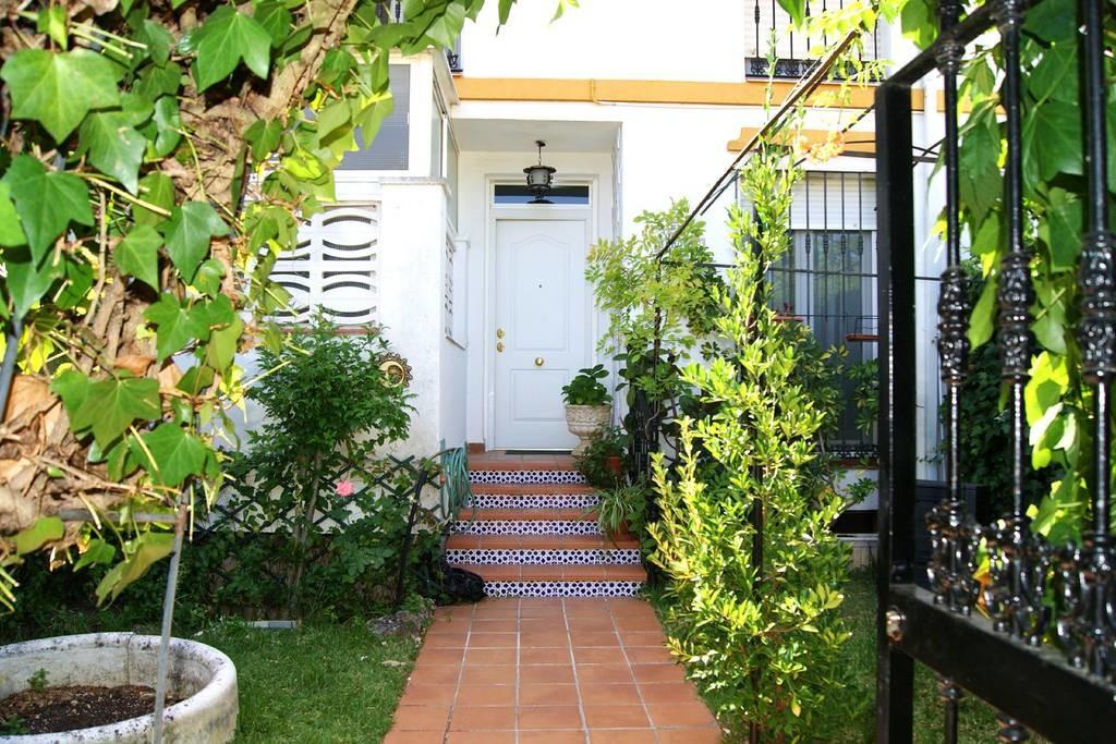 Dormitorio en Urb. casas blancas  gastos incluidos