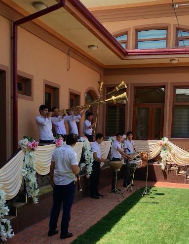 uzbek-weddings-d4e4a6540d45227c8469c82e3
