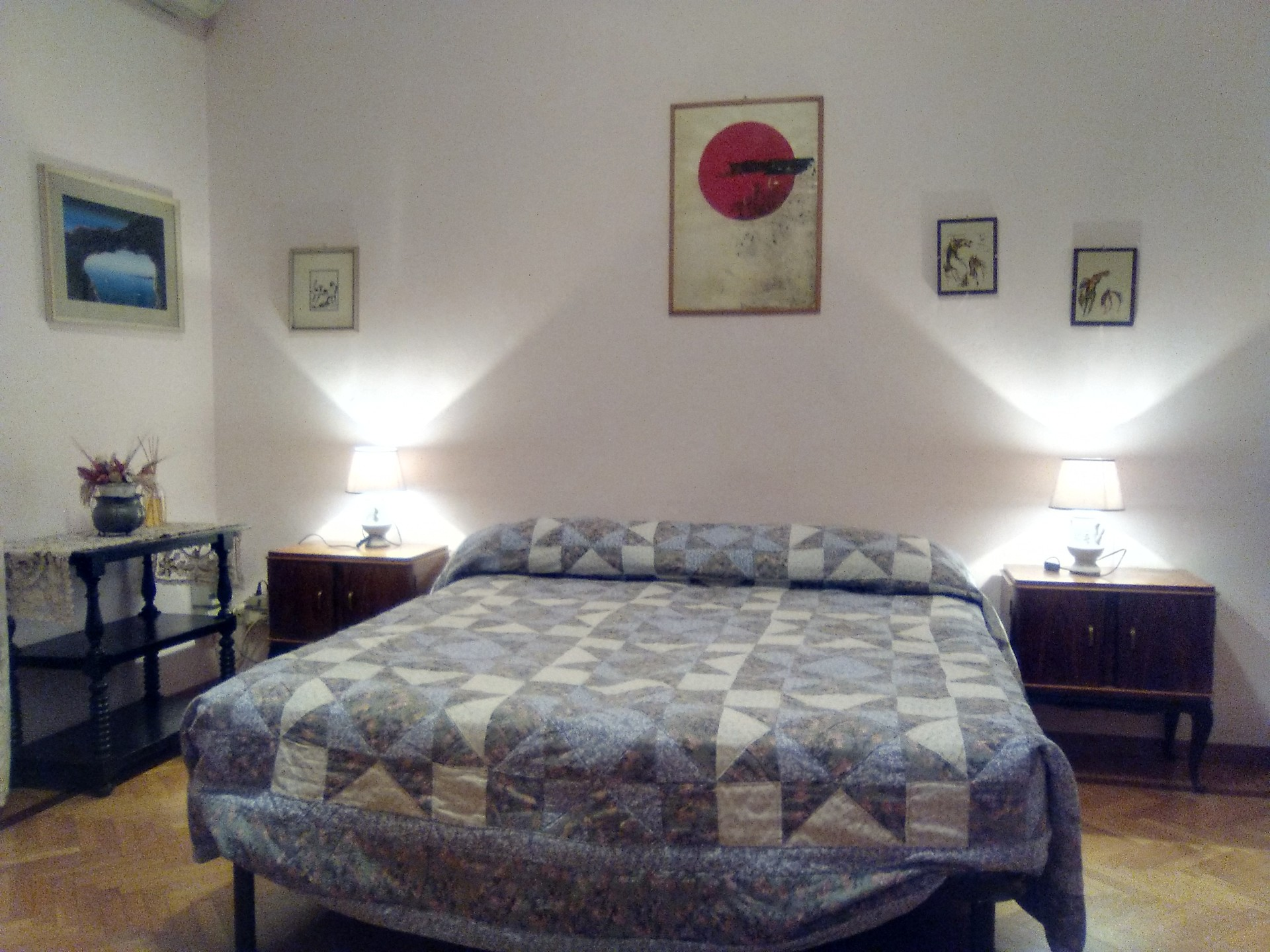 Camera Con Letto Matrimoniale.Vasta Camera Con Letto Matrimoniale E Vista Su Giardini Room For