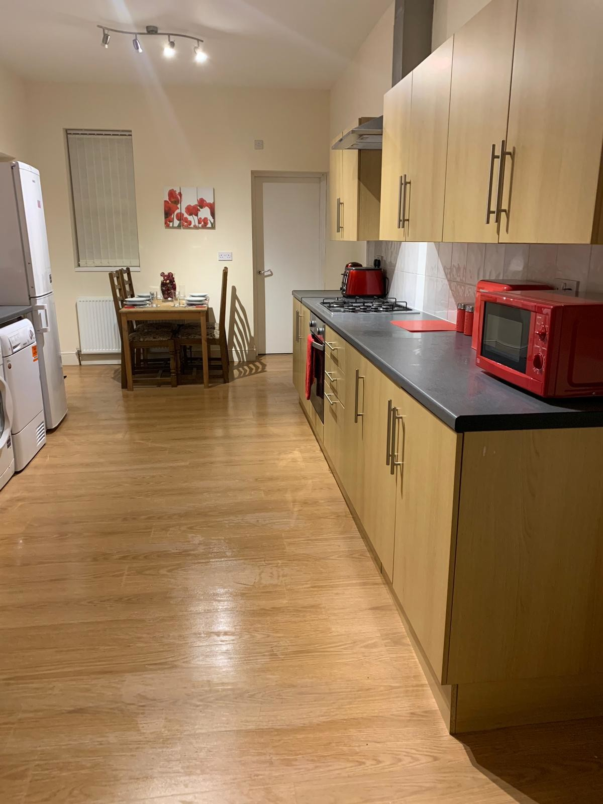 very-large-double-bedrooms-shared-house-quiet-fenton-10-minutes-city-centre-bf3fa07dcbdbcd2981d85f22ae41b46b