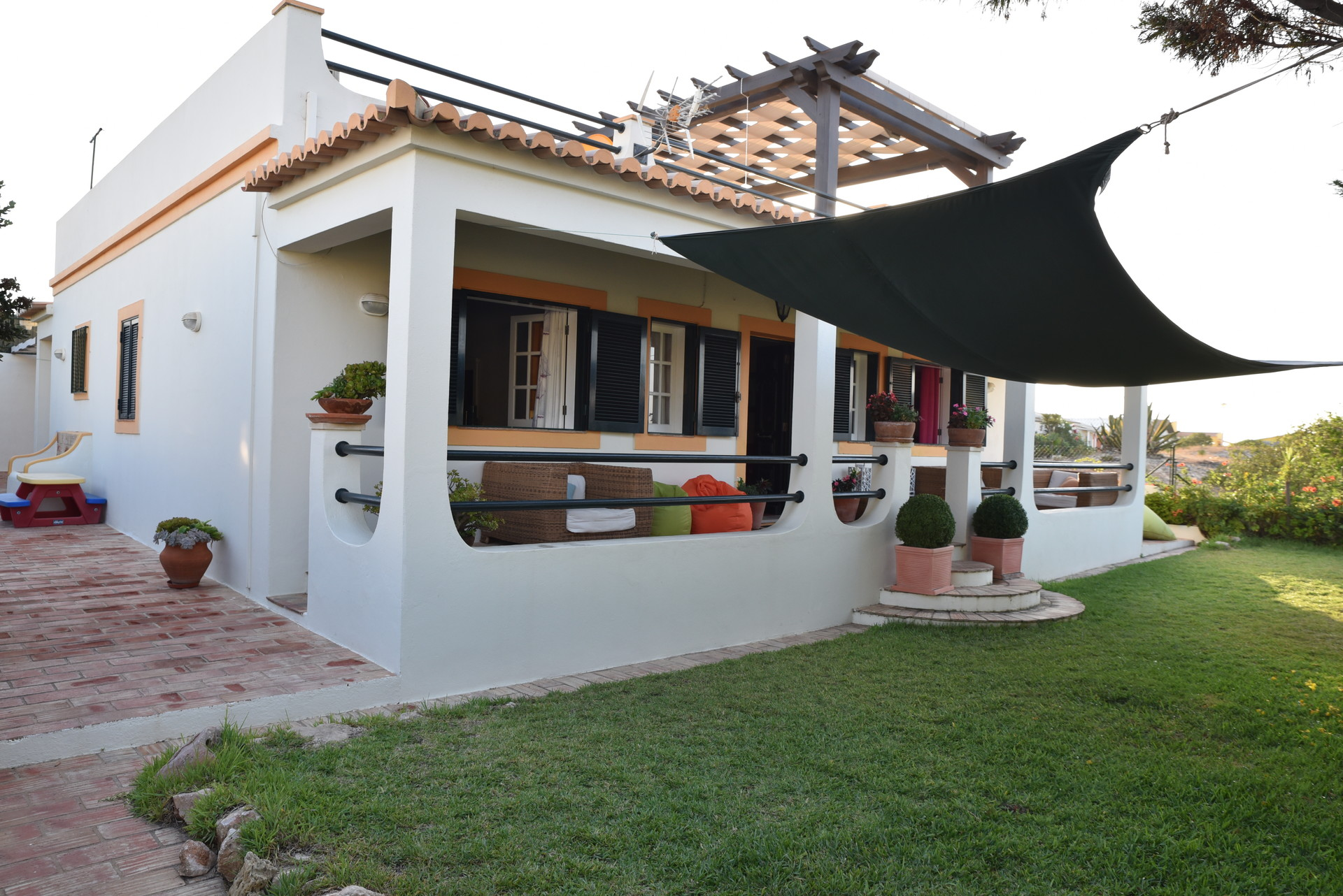 villa-algarve-at-beach-10-minutes-university-67e7078f0516915835b5a956618bb47e