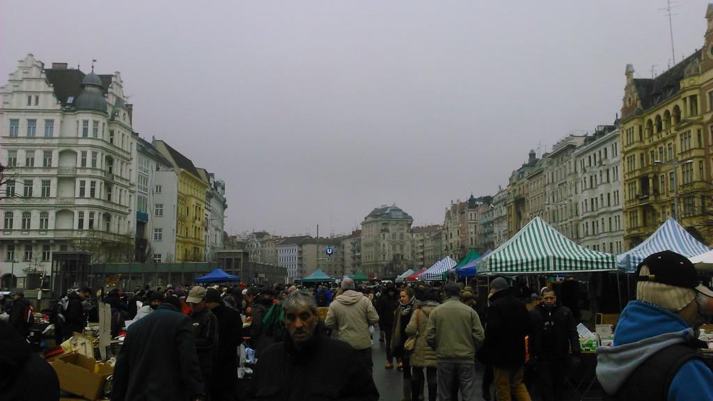 Visiting Naschmarkt and flea market