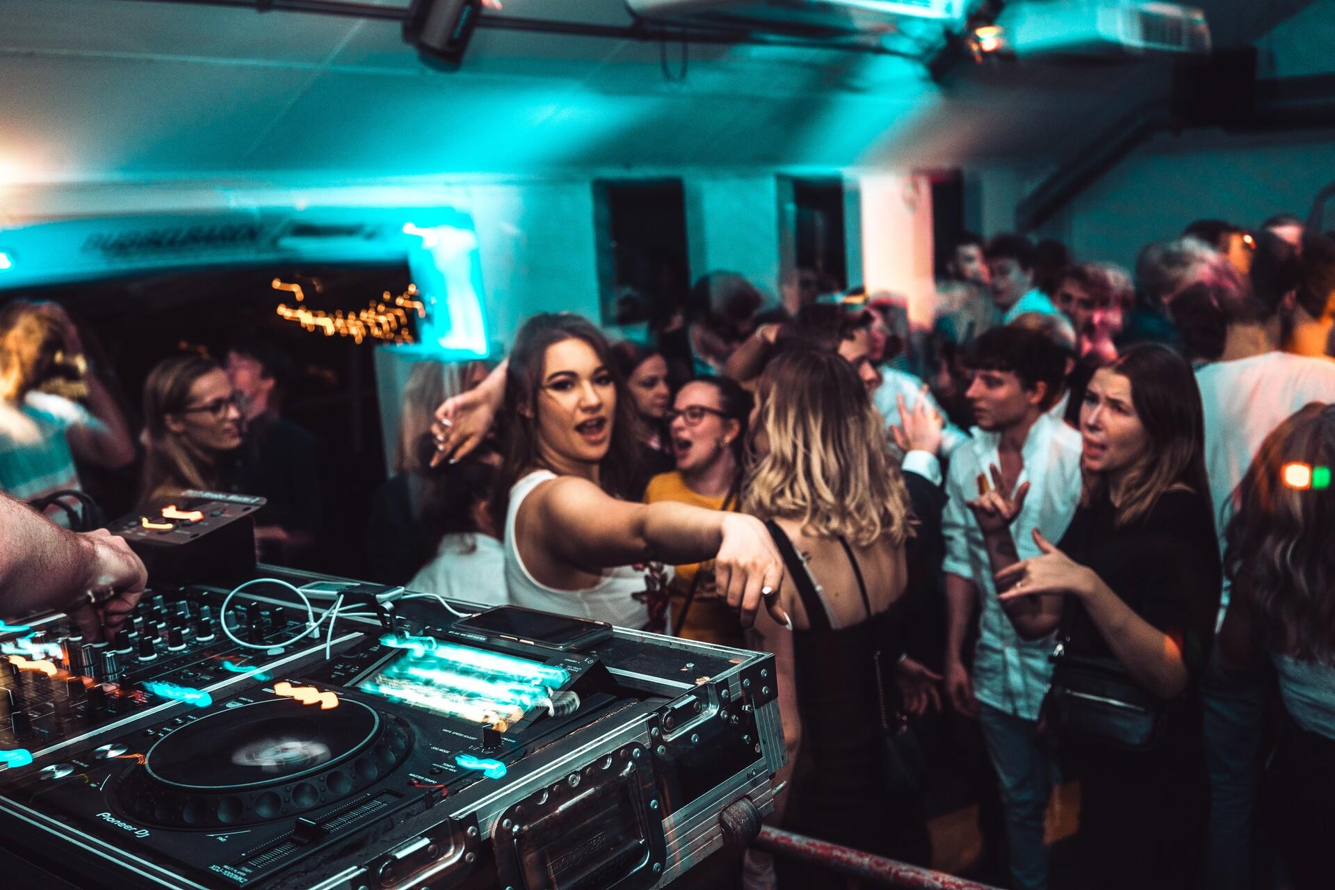 Vita notturna a Exeter - La guida ai nightclub e dove uscire la sera a Exeter