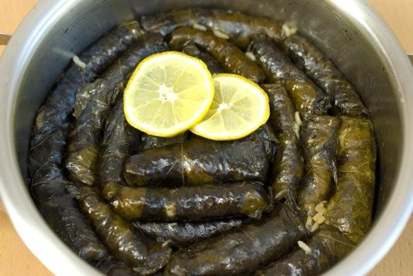 Warak arish (feuilles de vigne farcies) : une recette saine et réconfortante