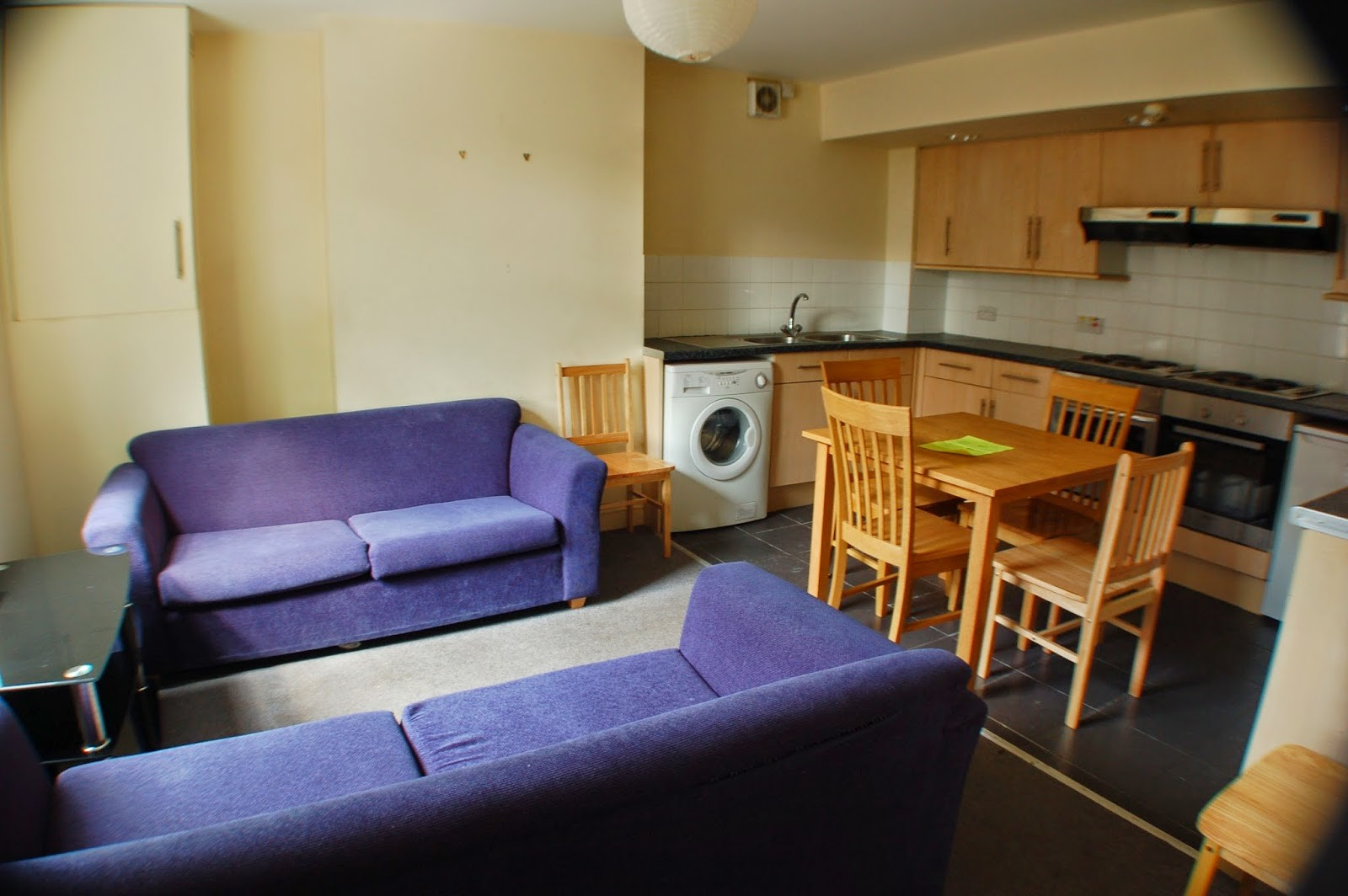 ... Warm and comfortable house in central Sheffield ...