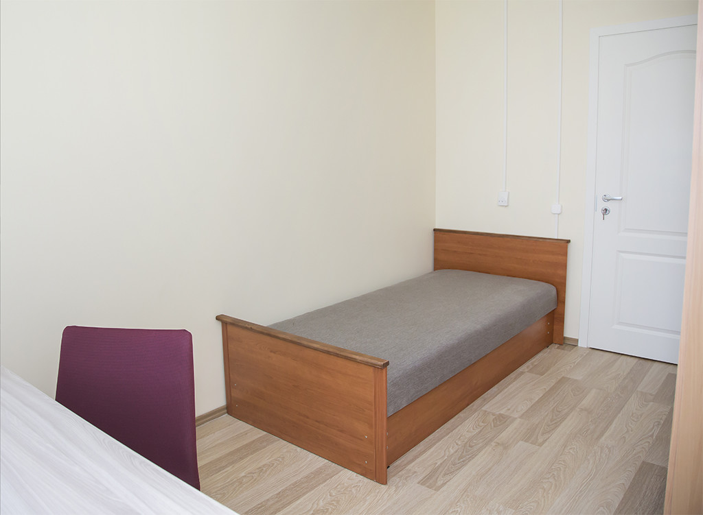Welcoming room in 5-room apartment near TUT