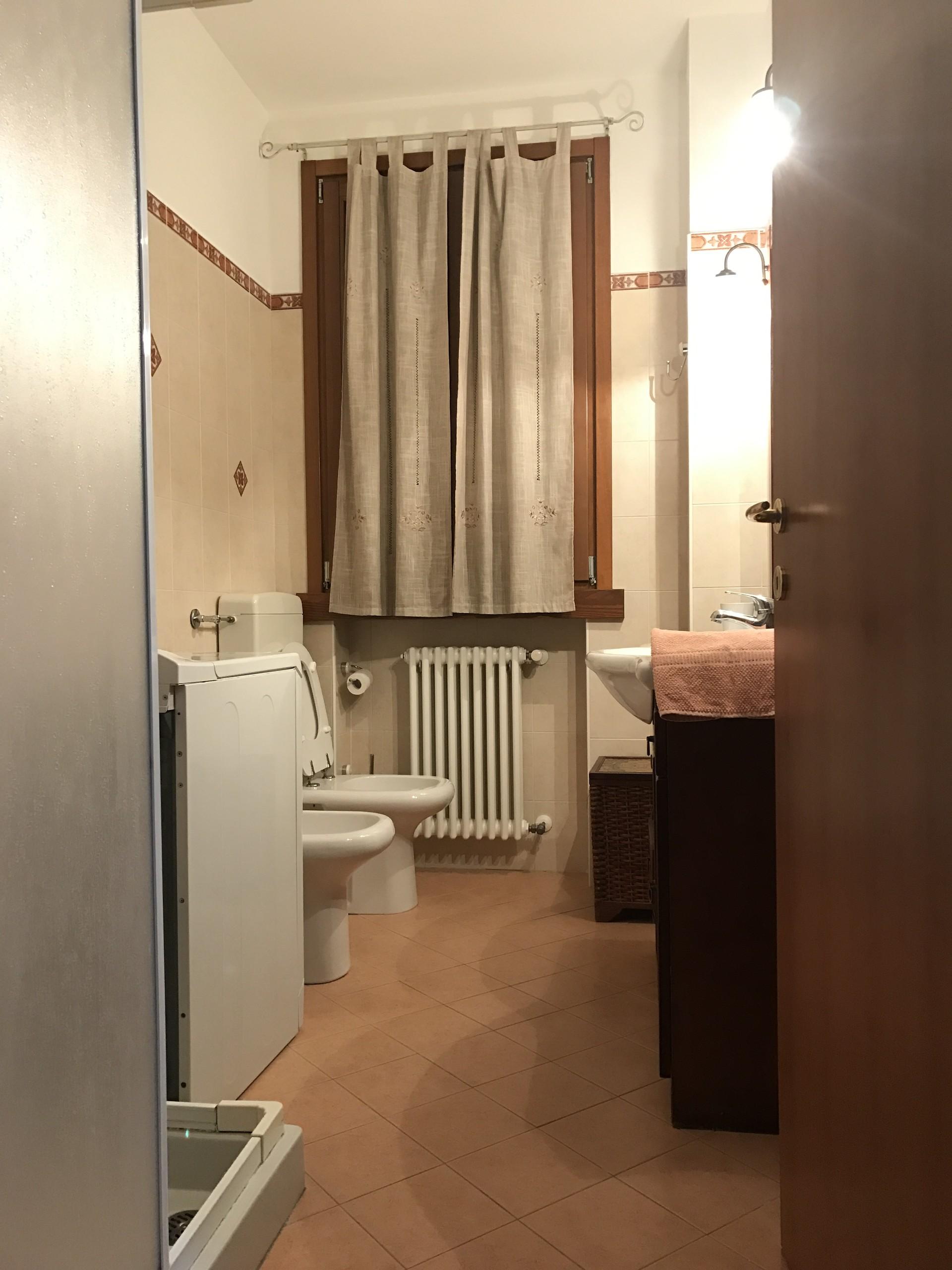 Via Lombardia, 6, 43121 Parma PR, Italia