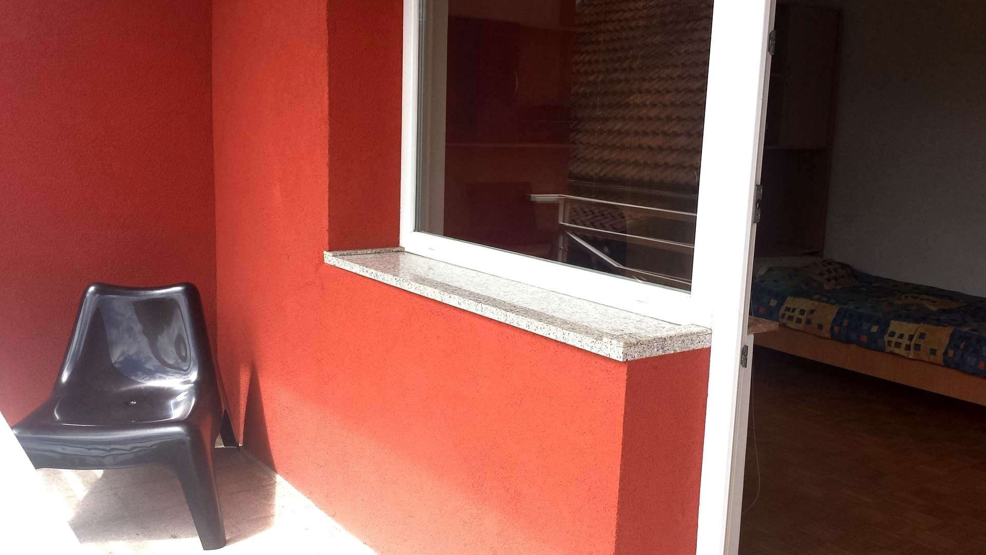 Your home in Ljubljana - single room with balcony romm 2