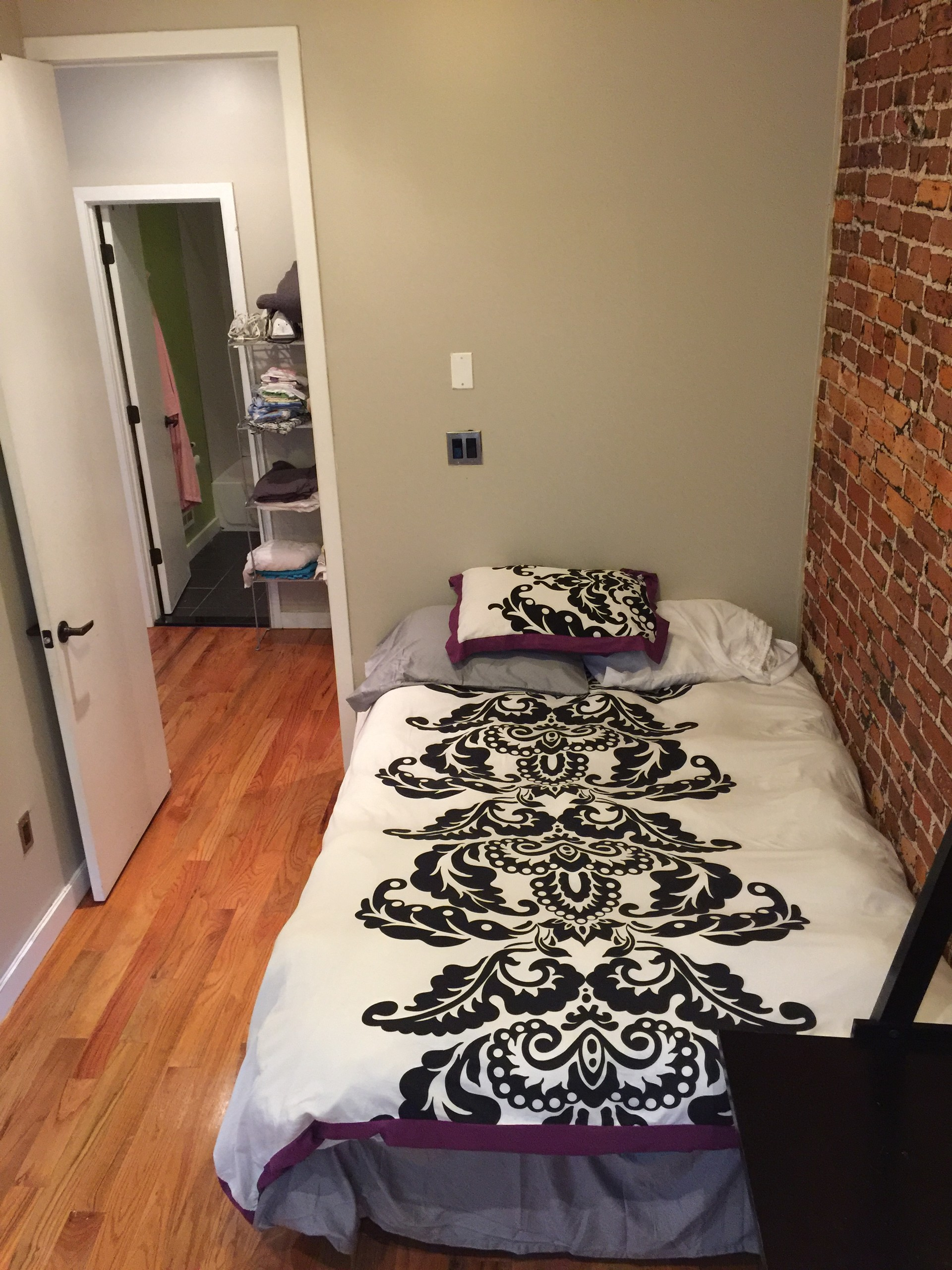 pin nyc rent craigslist apartment room check credit modern for images no apartments