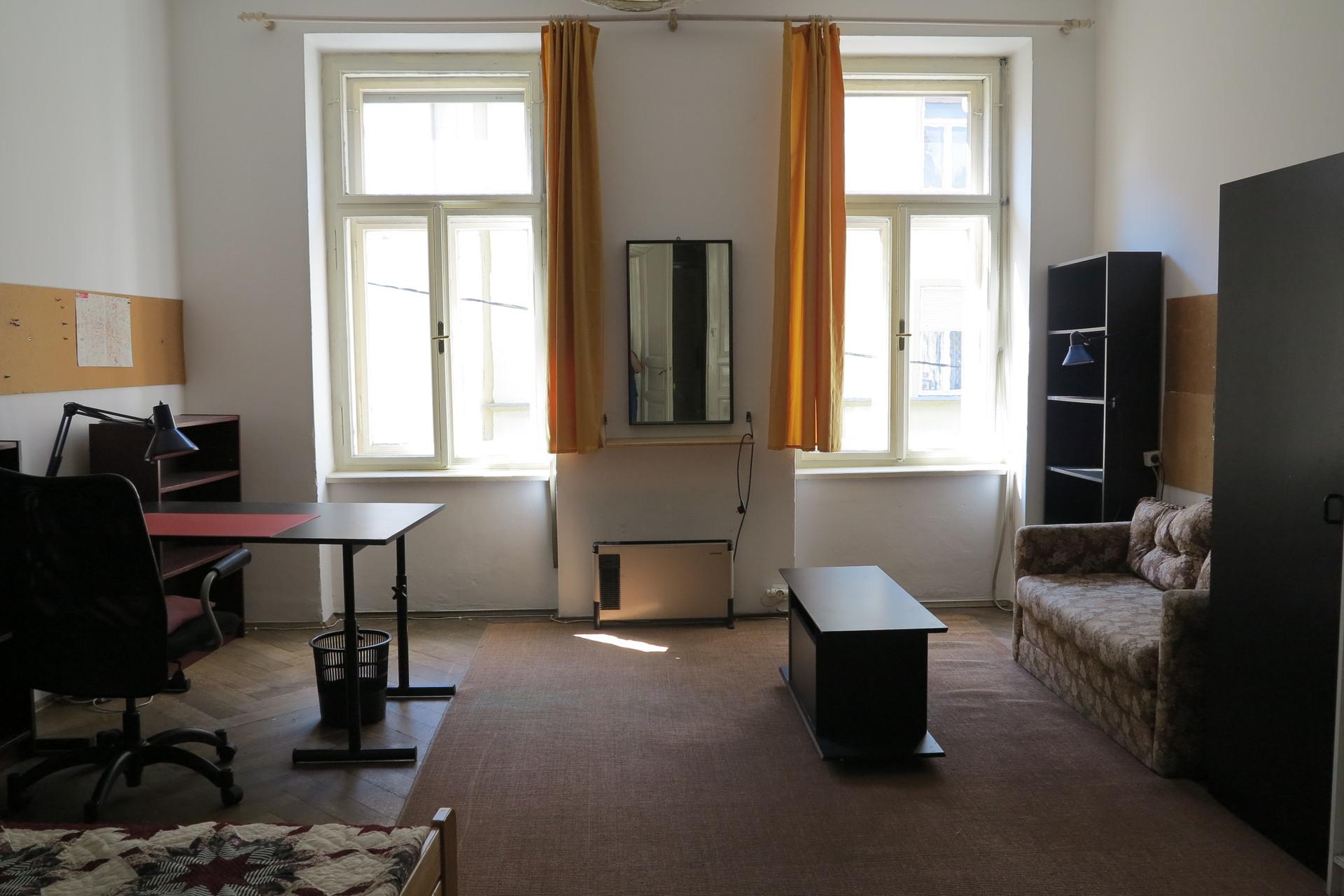 Zentrales Zimmer,groß und sonnig. | Room for rent Graz